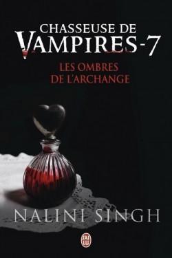 chasseuse-de-vampires,-tome-7---les-ombres-de-l-archange-591716-250-400